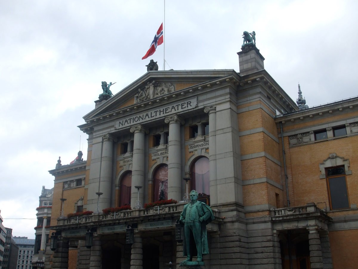 Oslo's Nationaltheater flying the flag at half-mast
