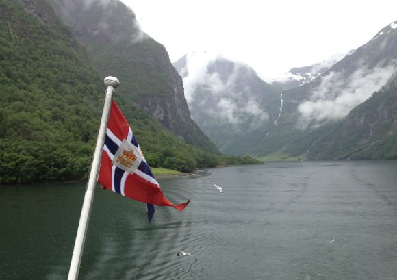 Sailing on Naeroyfjord