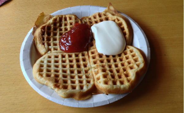 Norwegian waffle with jam and sour cream