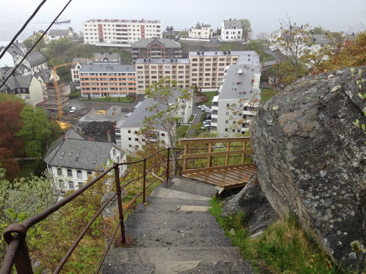 Some of the steps to Fjellstua
