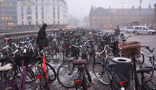 Cycles outside Copenhagen Central Station