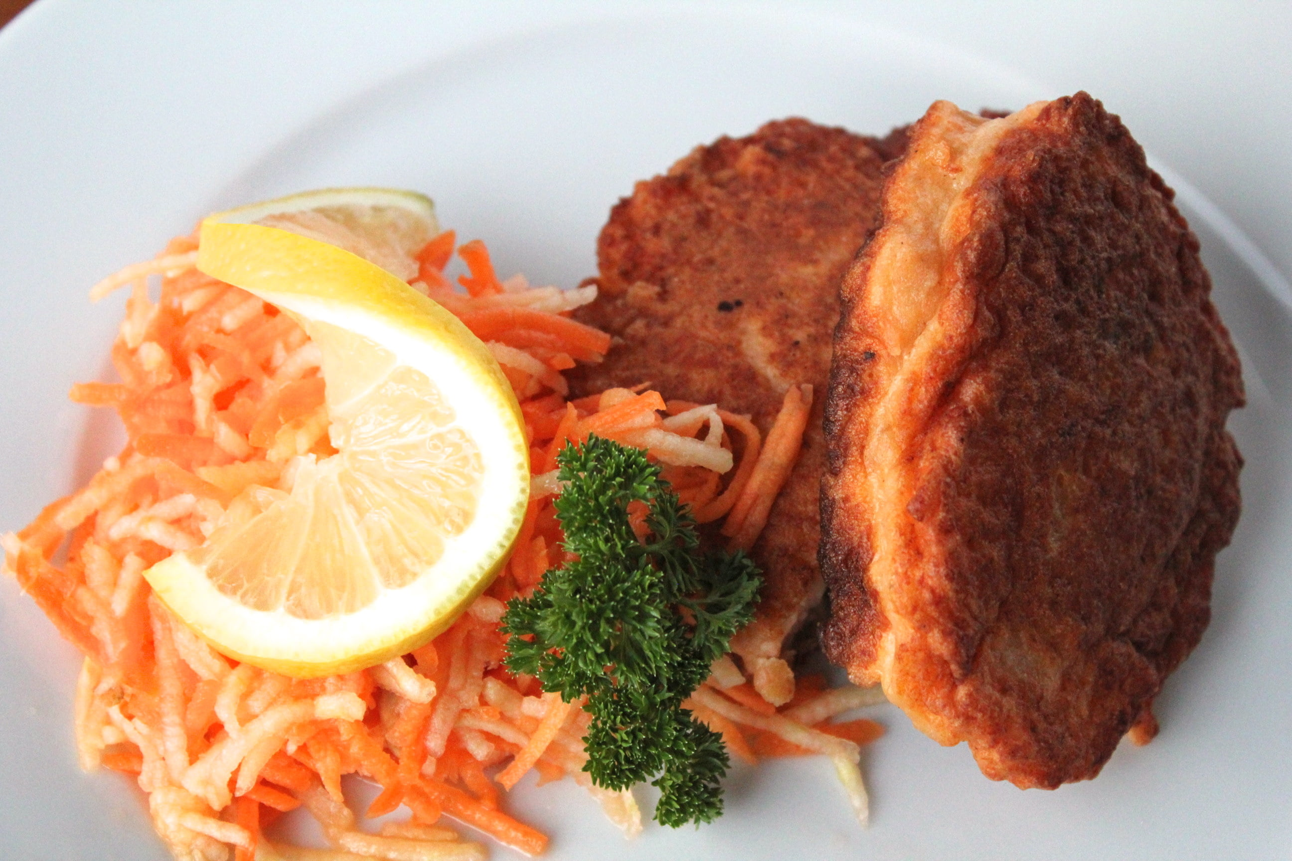 Recipe salmon fish cakes life in norway for Salmon fish cakes