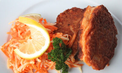 Salmon fishcakes with apple and carrot salad