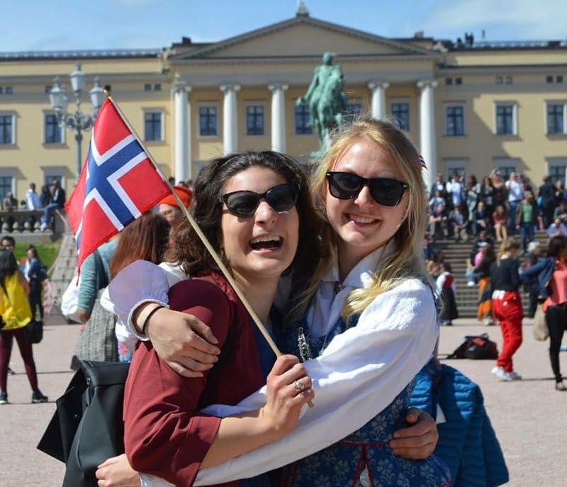17 May Oslo palace