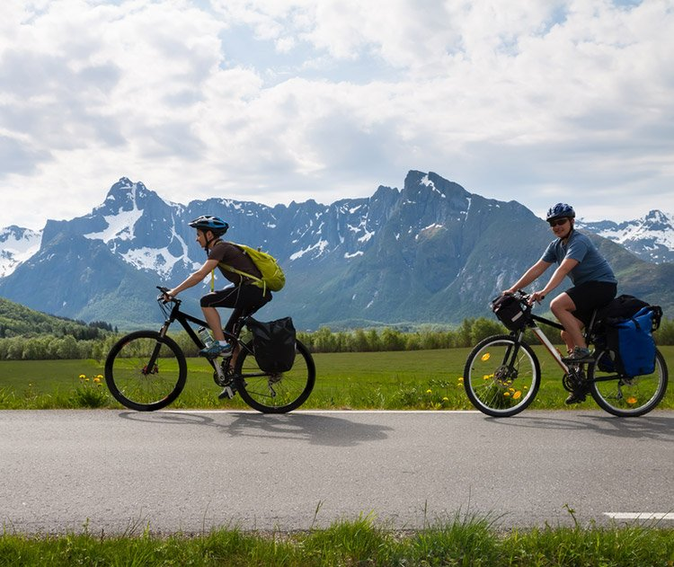 Healthy cyclists in the Norwegian mountains