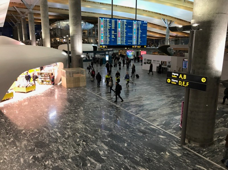 New-look Oslo Airport terminal