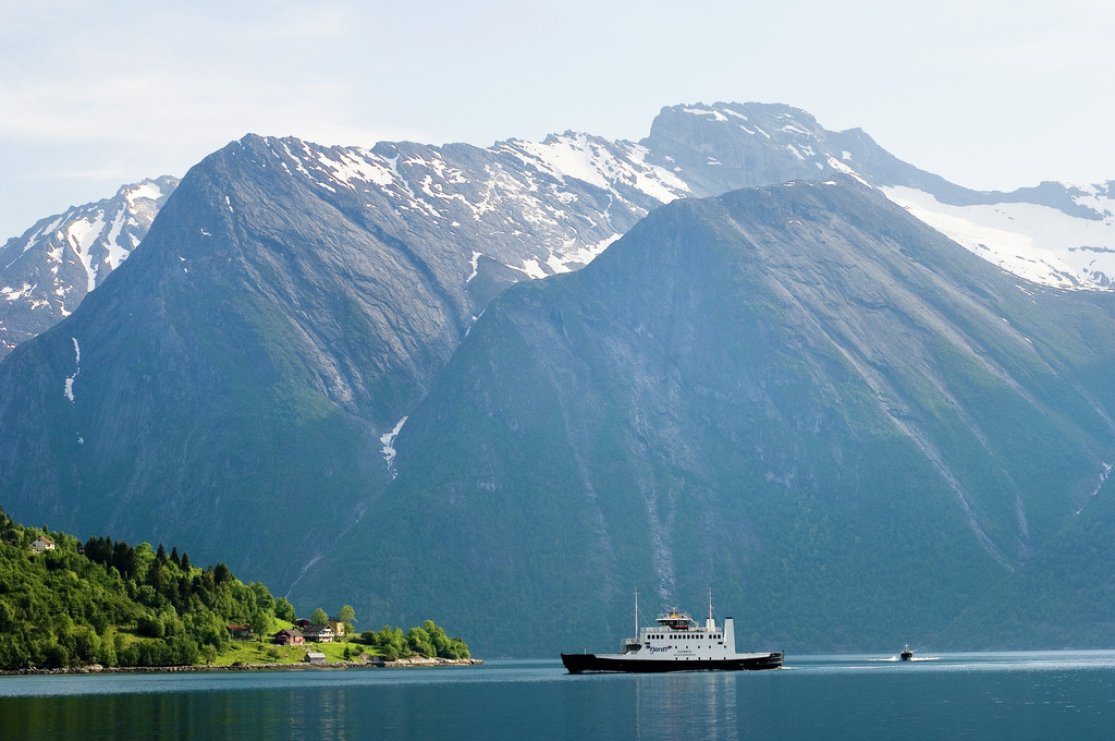 Hjørundfjord sightseeing cruise