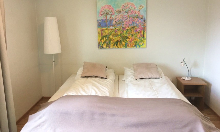 Guest room at the Sortland Hotel