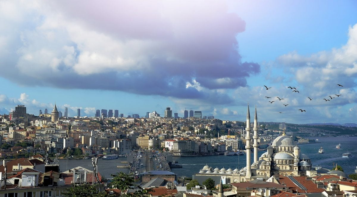 Fly to Istanbul