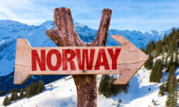 Moving to Norway signpost