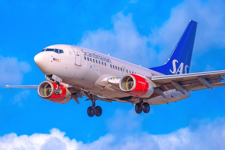 SAS airliner flying