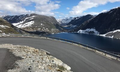 Driving in the Norwegian mountains