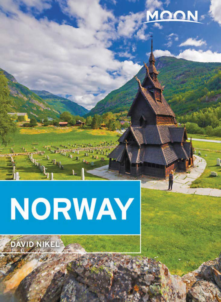 Book cover of the Moon Norway guidebook 2019 edition