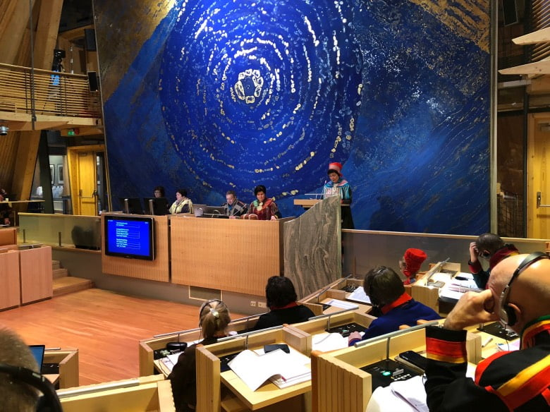 The Sami Parliament in session (Photo: Kenneth Hætta)