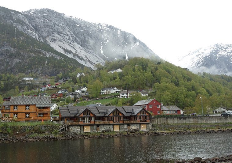 The coastline of Norway's Eidfjord, a spur of the Nordfjord