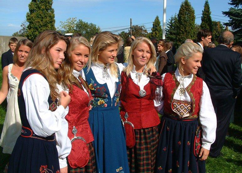 Norwegian girls wearing the bunad in Norway