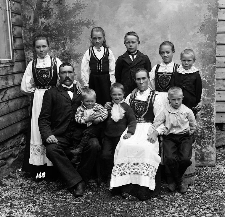 An old Norwegian family portrait