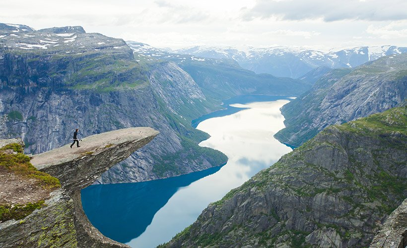 Hiking to Trolltunga in Norway for newbies