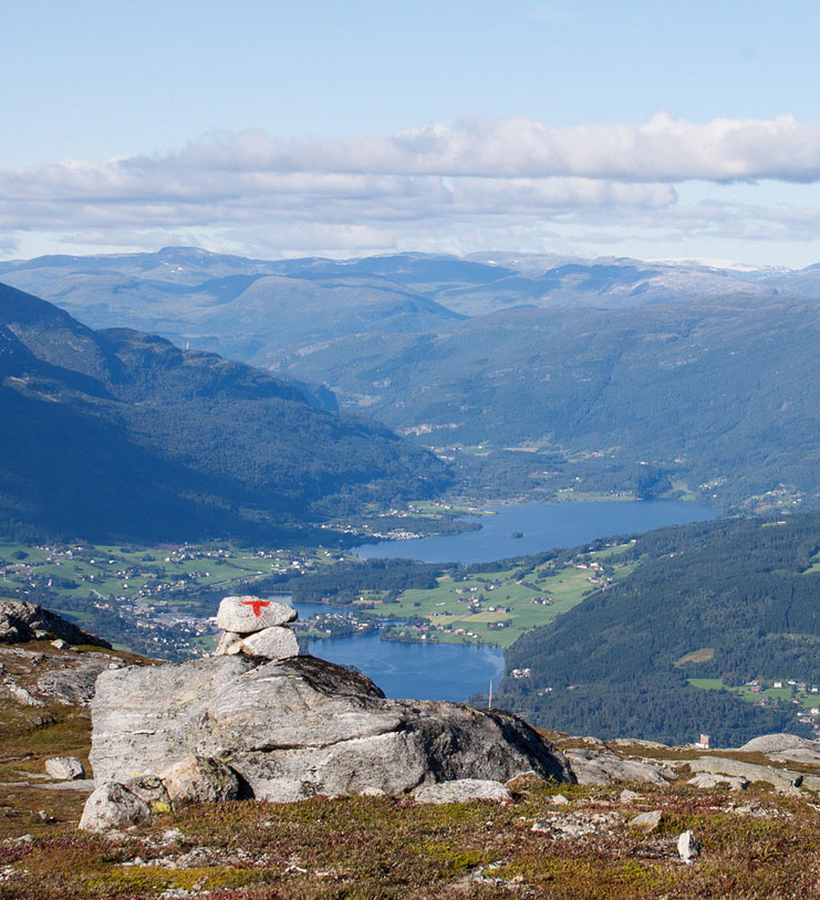 The view of Voss from the Grasidetoppen hike, one of the best hikes in Norway.