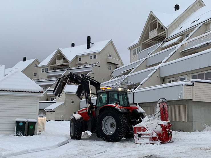 Snow clearance in Okstad, Trondheim