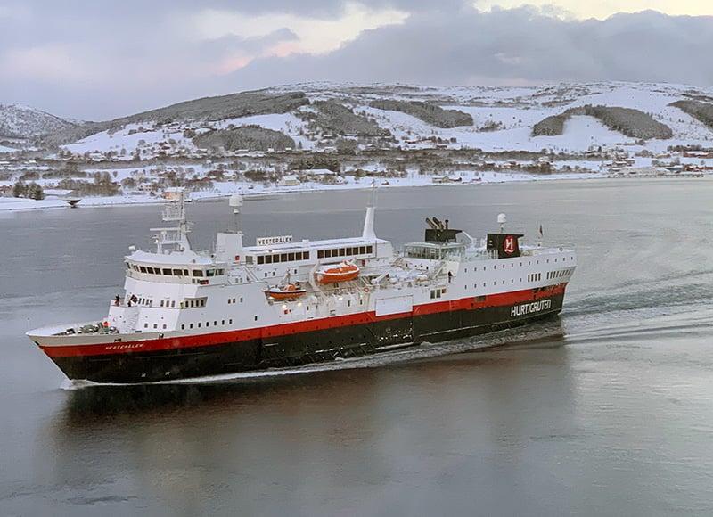 MS Vesterålen entering Sortland