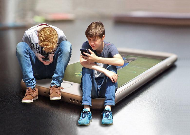 Kids on smartphones in Norway