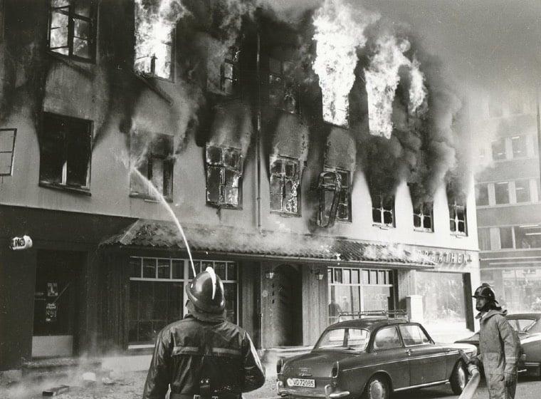 The Hotel Bristol in Trondheim on fire in 1976.