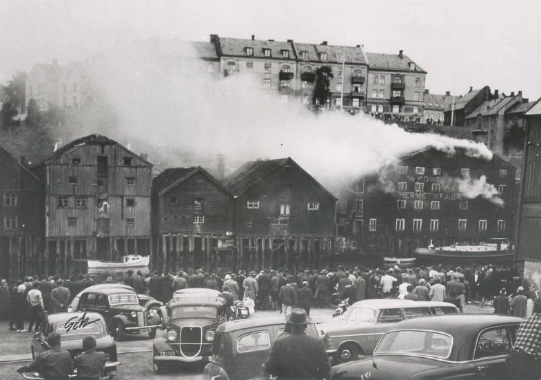 A fire on Trondheim's Nedre Bakklandet in 1961.