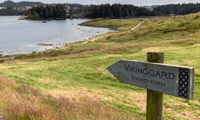 Avaldsnes viking farm signpost