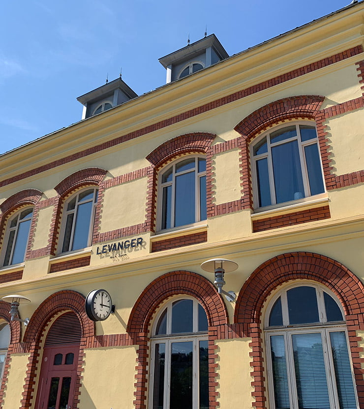 Close-up of the Levanger railway station building
