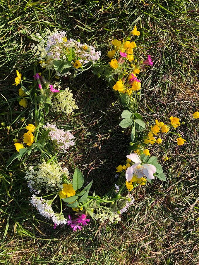 A St. Hans floral wreath