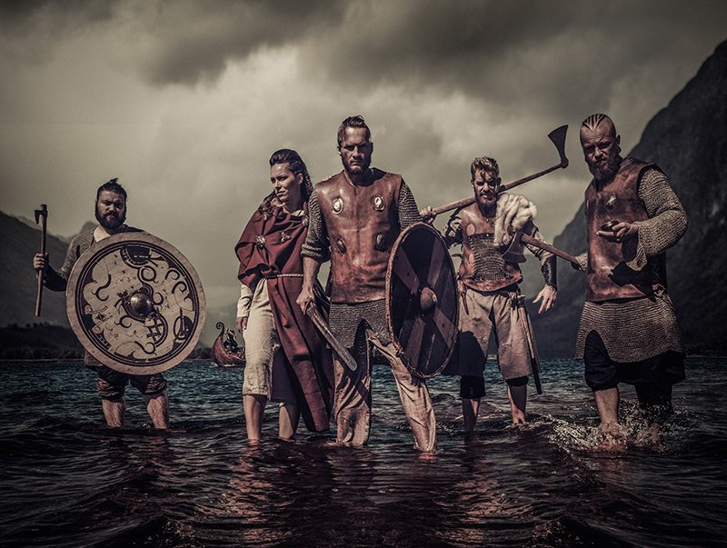 Viking raiders in the ocean
