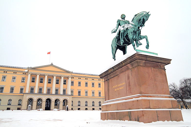 Norwegian Royal Palace in the snow in Oslo