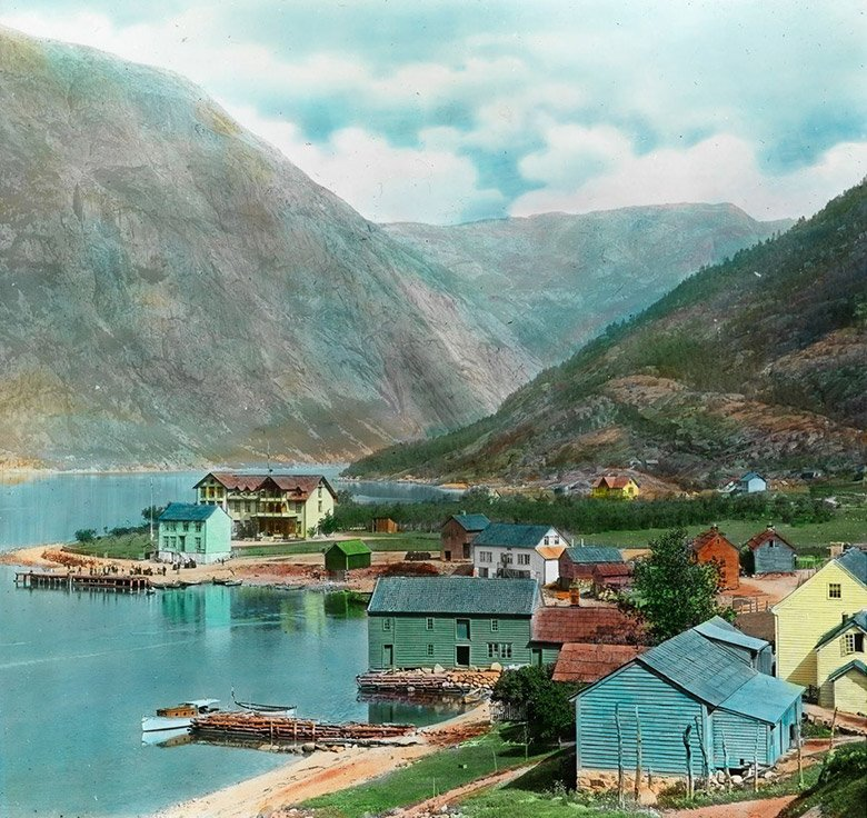 The Norwegian town Eidfjord around the year 1900