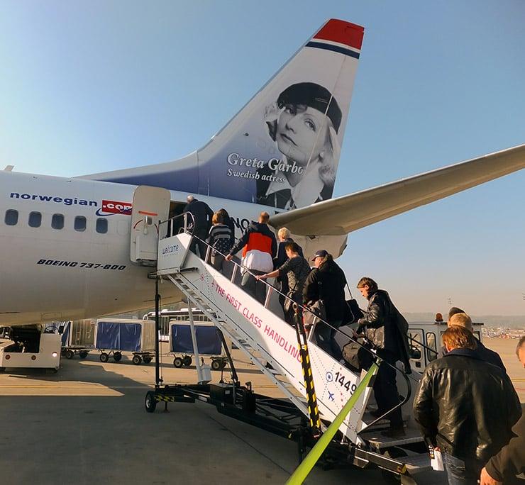 A Norwegian 737-800 featuring Swedish actress Greta Garbo