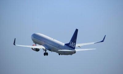 SAS airliner taking off