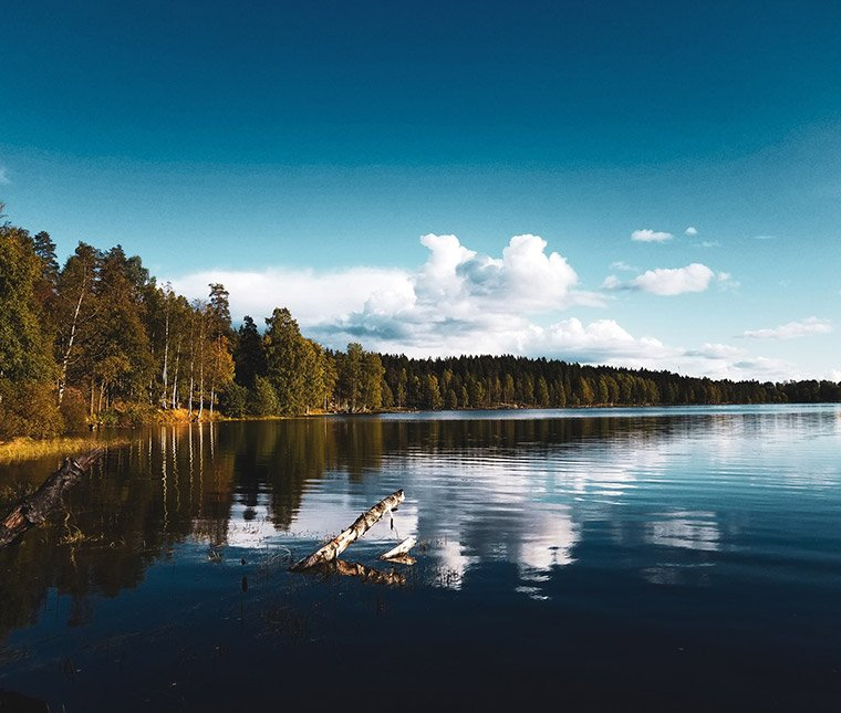 Sognsvann lake hike in Oslo, Norway