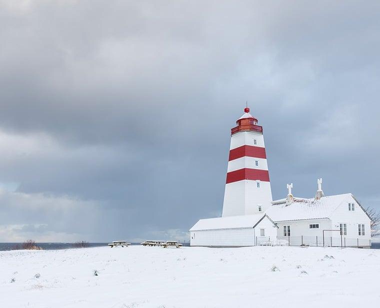 Alnes lighthouse near Ålesund in the snow