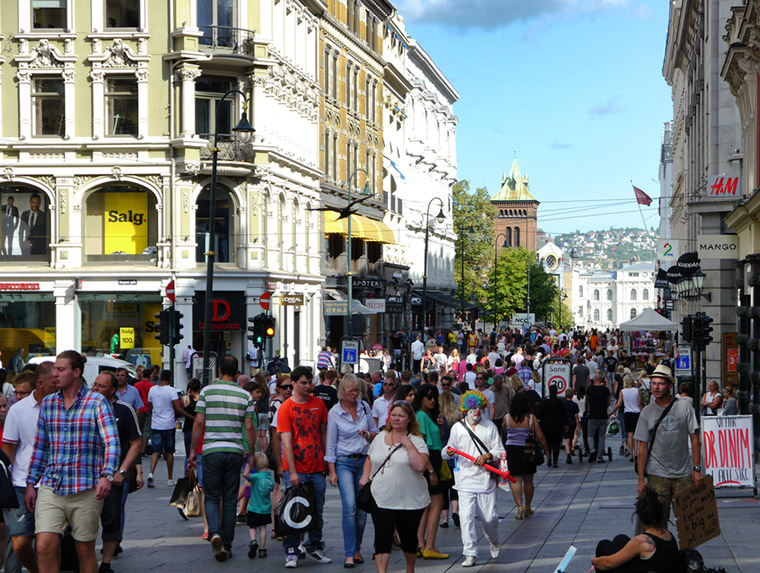 A busy Oslo street in Norway