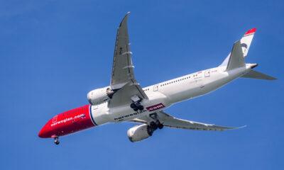 Norwegian Air Boeing Dreamliner landing at San Francisco Airport