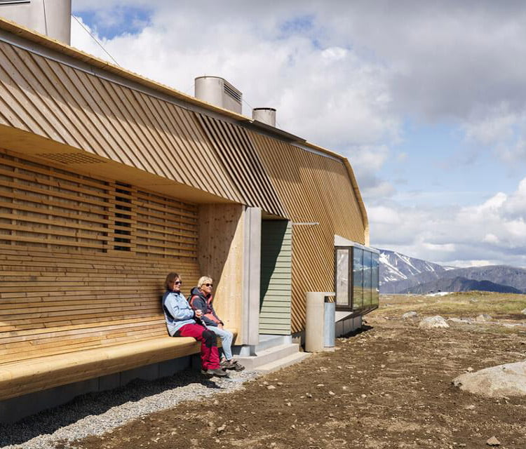 A couple take a break at the Flye 1389 cafe cabin in Norway