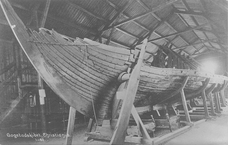 Archive photo of the Gokstad ship exhibition from 1898