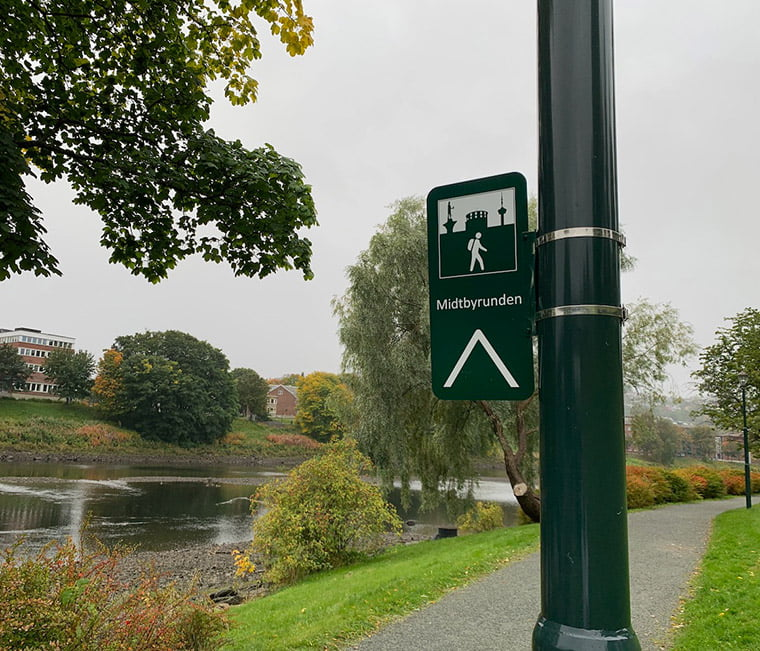 Midtbyrunden signpost in Trondheim