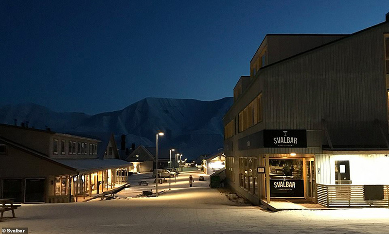 Svalbar is located in central Longyearbyen