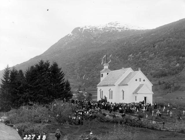 Norwegian church wedding from the 1900s