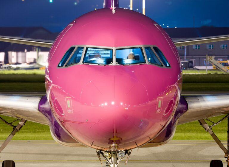 wizz air aeroplane nose