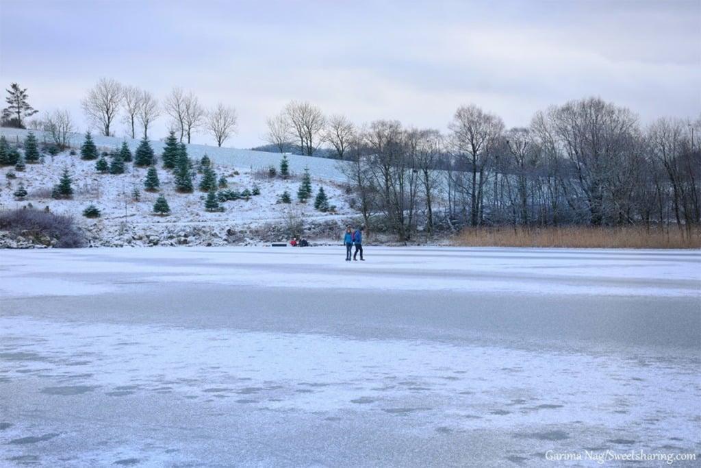 Frozen Bråsteinvatnet lake in Sandnes