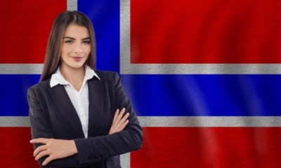 Norwegian language tutor with flag of Norway