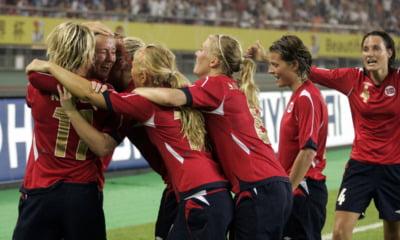 Norway women's soccer team celebrate a goal