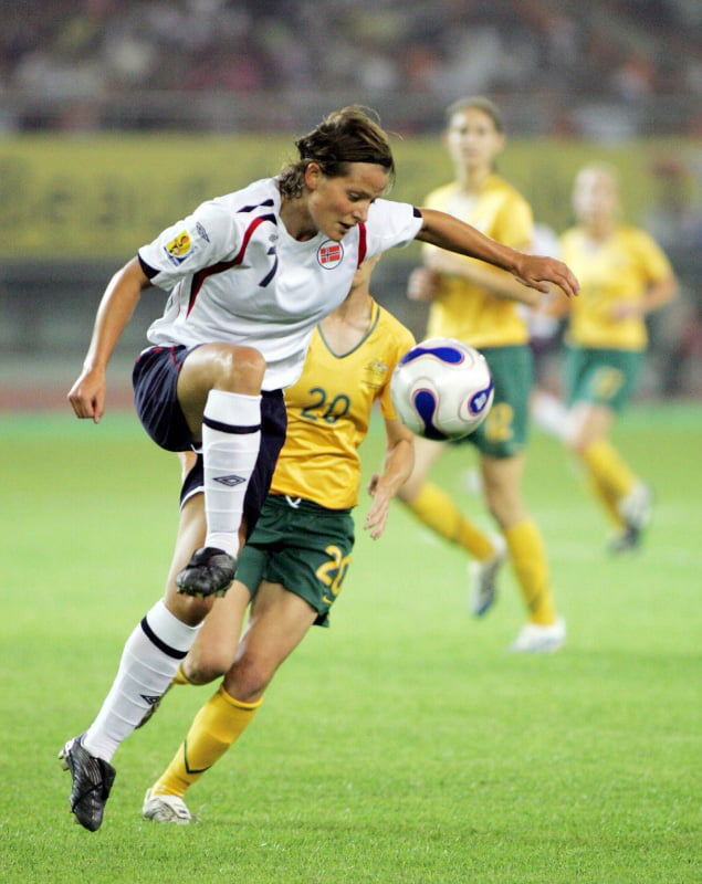 Trine Ronning playing for Norway  against Australia at the 2007 FIFA Womens World Cup in Hangzhou, China. It was a match that finished in a 1-1 draw.